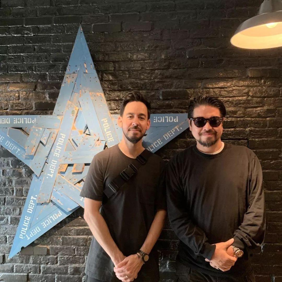 潮闻快食 | 原宿龙头大哥带 Linkin Park 灵魂人物 Mike 在东京买 Goro's