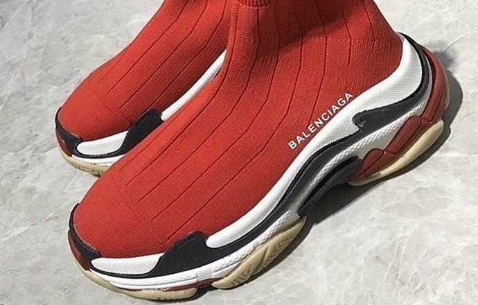 圣诞专属红袜版本曝光!这双合体球鞋到底是否官方之作?精仿鞋