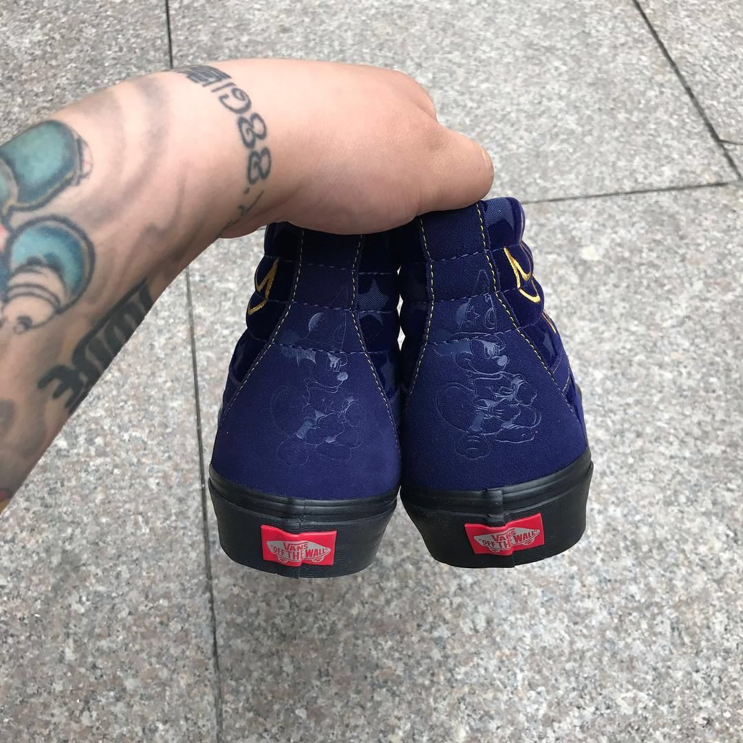 VANS x Disney专属合作鞋款曝光 街头潮流度不输WTAPS