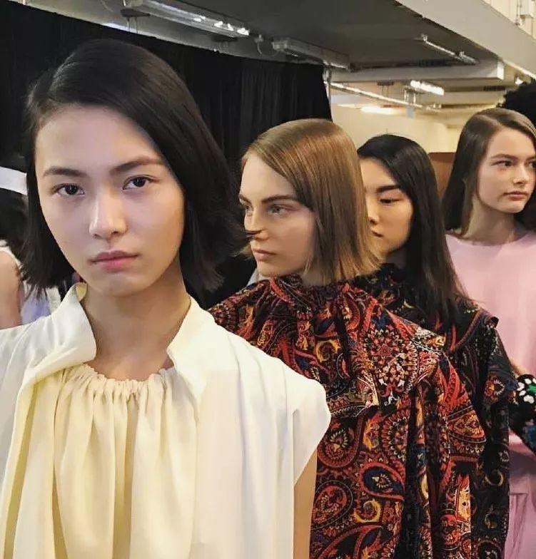 louis vuitton秀上唯一的中国模特,00后赵佳丽才入行不到半年?